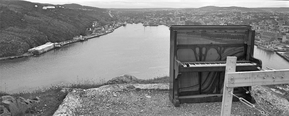 Thadeus-Holownia-1988-Nfld_piano_edit